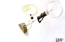 Lampa stojąca kolorowe kable w oplocie
